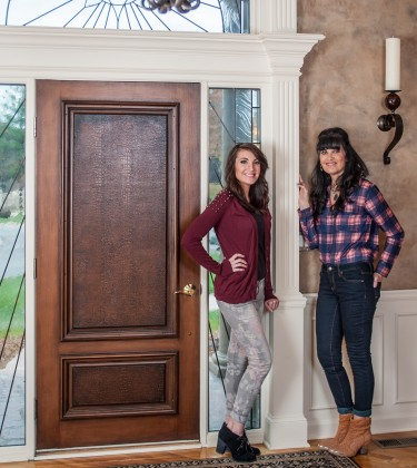 Brenda and Kylie are the creative faux painting team at Macaluso Custom Desig, 203 NE 70th Terrace, Gladstone MO  64118. For all your faux painting needs in Kansas City, contact Macaluso Custom Design.